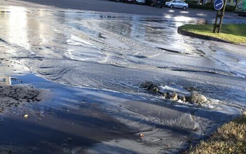 Авария водопровода. Иллюстративный снимок.