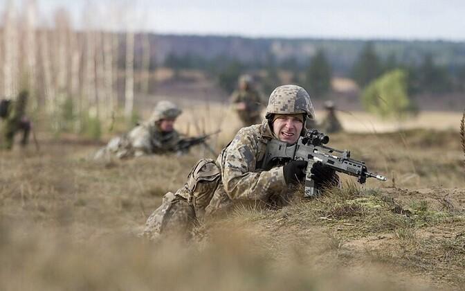Kaitseväelased õppusel.