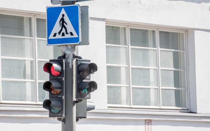 Red light cameras are coming to Estonia.