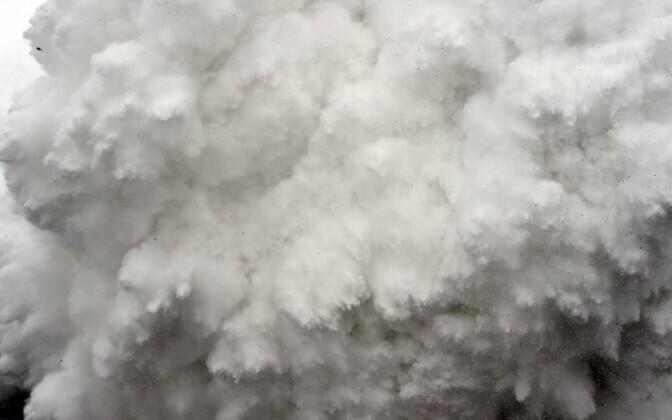 Järeltõuge tõi kaasa mitu lumelaviini.