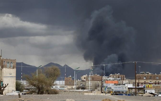 Õhurünnaku tagajärjed Sanaa lennuvälja lähedal