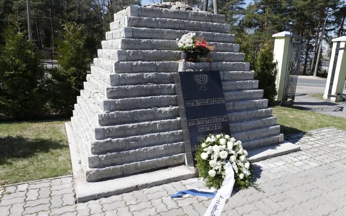 At Tallinn's Jewish cemetery in Rahumäe.