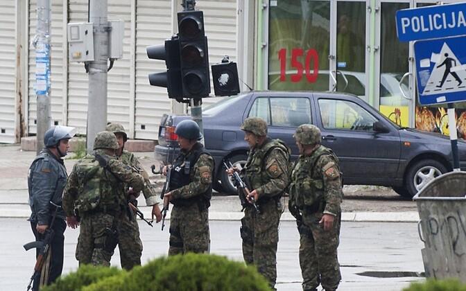 Politseinikud Kumanovo tänaval
