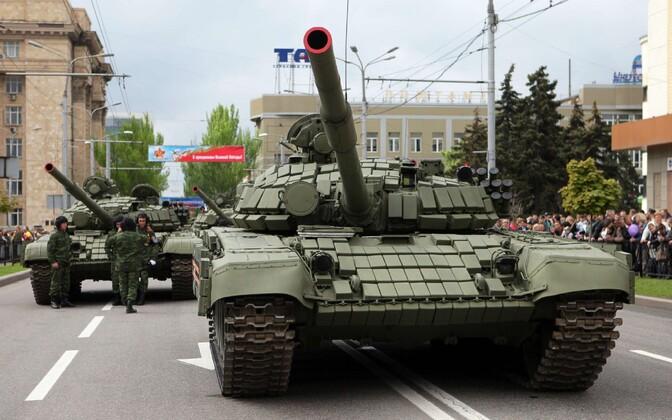 Nn separatistide tankid Donetskis toimunud paraadil