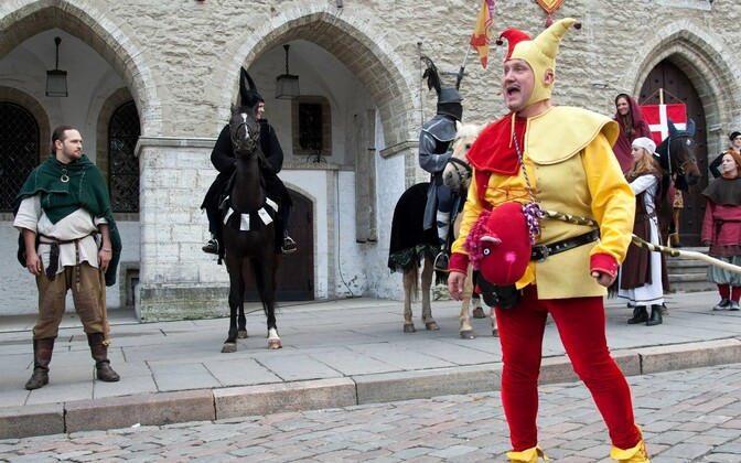 The Tallinn Old Town Days started on Saturday, filling the streets and squares with music, workshops, processions, and people in medieval costumes.