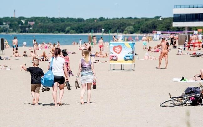 На пляже Пирита.