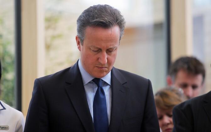 Peaminister David Cameron leinaminutil Inglismaal Witneys.