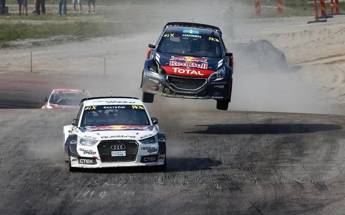Mattias Ekström ja Timmy Hansen Höljese etapi finaalis.