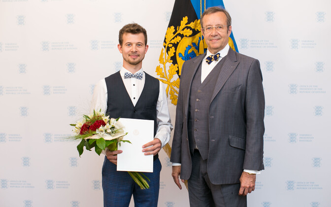 Jalmar Vabarna ja president Toomas Hendrik Ilves.