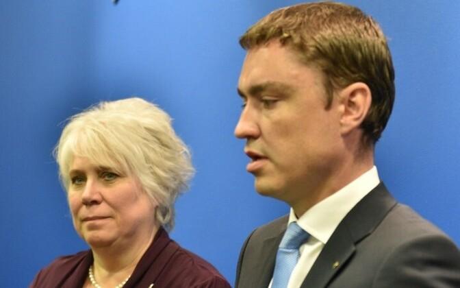Marina Kaljurand ja peaminister Taavi Rõivas.
