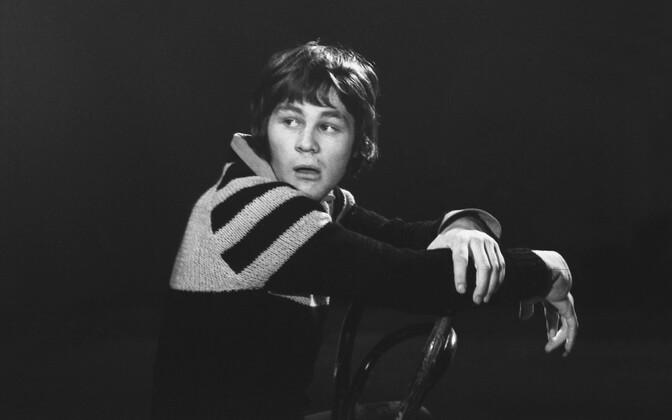 Lavakunstikateedri VI kursuse üliõpilane, näitleja Jüri Aarma.