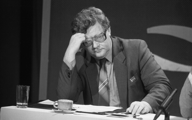 Savisaar on the TV show where he called for the establishment of a popular front.