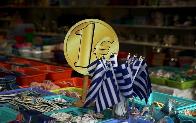 Kreeka lipp ja Euroopa ühisraha euro kujutis.
