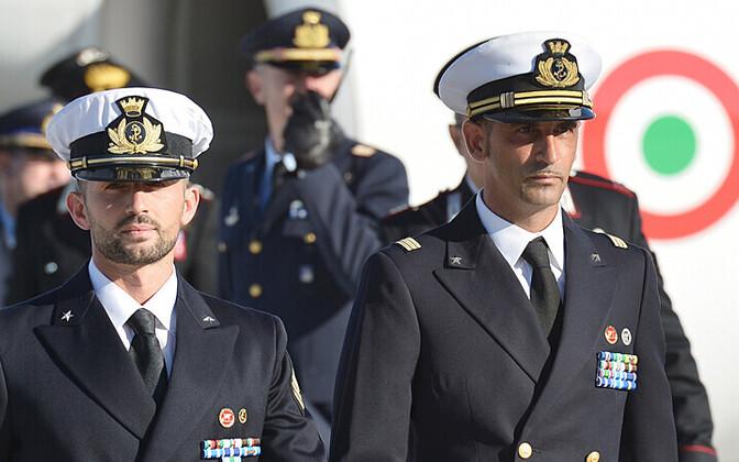 Itaalia mereväelased Salvatore Girone (vasakul) ja Massimiliano Latorre 22. detsembril 2012 Itaalias