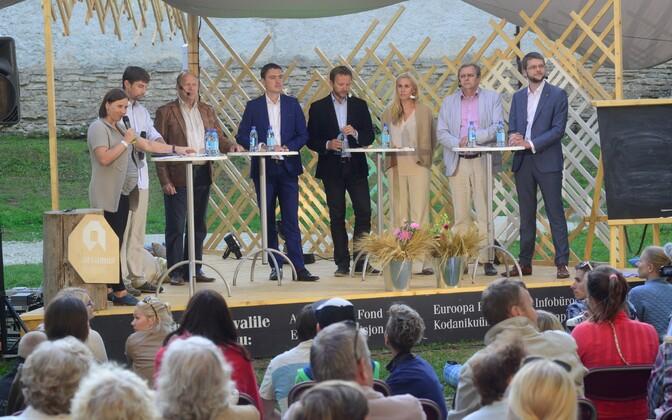Лидеры парламентских фракций на Фестивале мнений в Пайде в 2015 году.