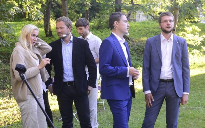 Eesti erakondade tipp-poliitikud.