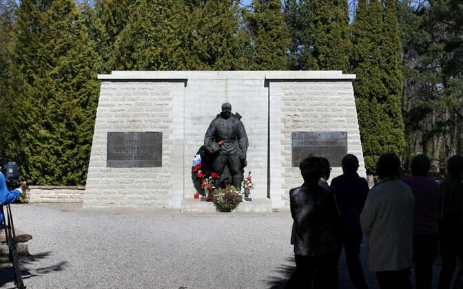 Pronkssõdur teisaldati 2007. aasta aprillis kaitseväe kalmistule