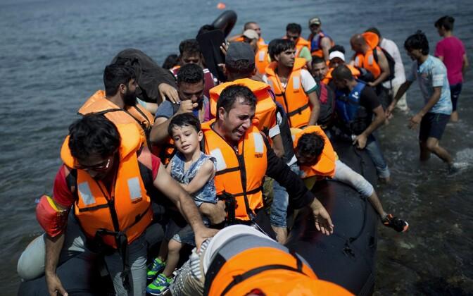 Мигранты стремятся на остров Лесбос, чтобы попасть из Турции в Европу.
