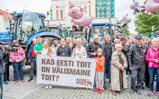 Farmers' demonstration in front of Toompea Castle in Tallinn. September 2015.