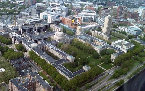 Maailma parima ülikooli tiitlit hoiab Massachussetsi tehnoloogiainstituut.