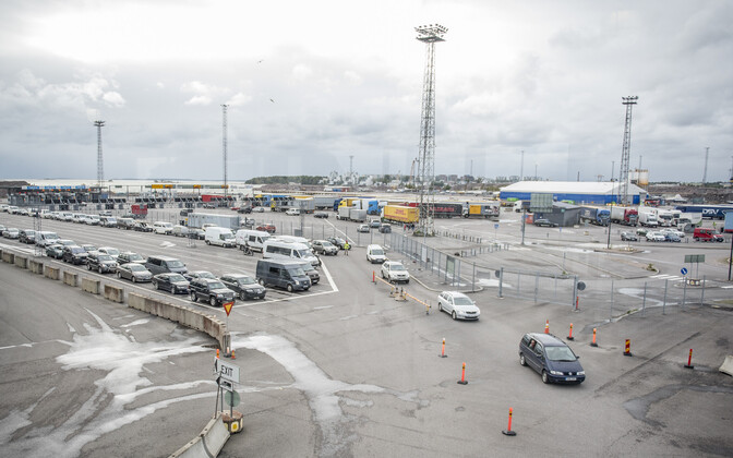 Traffic queue at Helsinki harbor's Western Terminal.