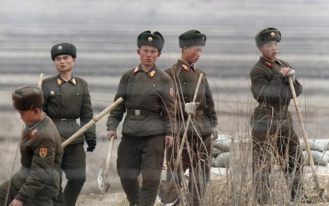 Põhja-Korea sõdurid Hiina piiri lähistel