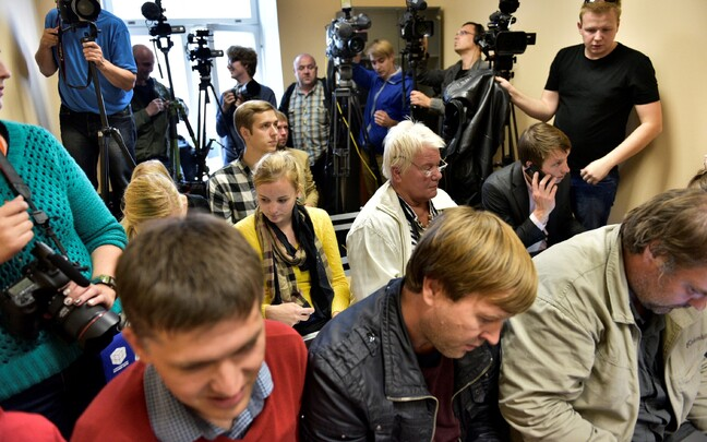 Eston Kohver Tartus pressikonverentsil