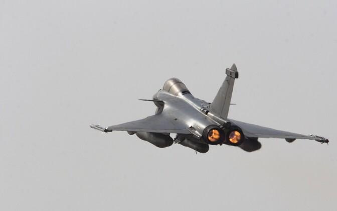 Французский истребитель Rafale.