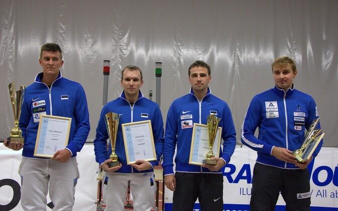 Meeste epee esinelik (vasakult): Sten Priinits, Jüri Salm, Marno Allika, Nikolai Novosjolov