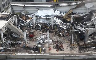 Osa kokkuvarisenud Zolitūde Maxima hoonest 24. novembril 2013