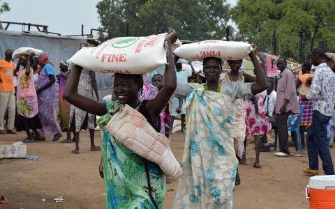 Humanitaarabi jagamine Lõuna-Sudaanis.