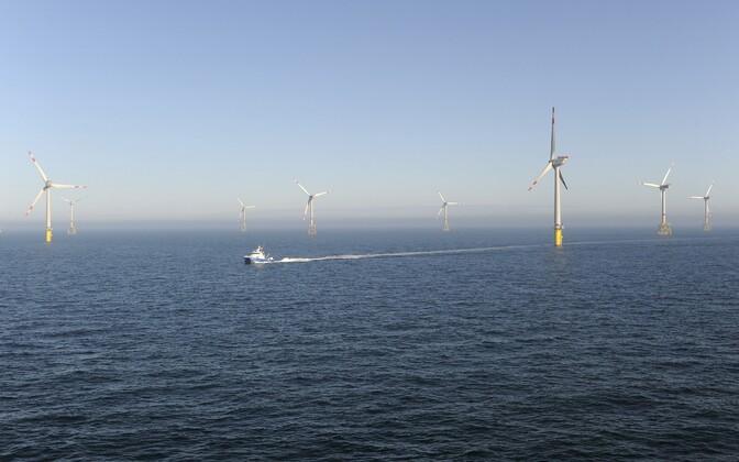 Tuulepark Põhjameres.