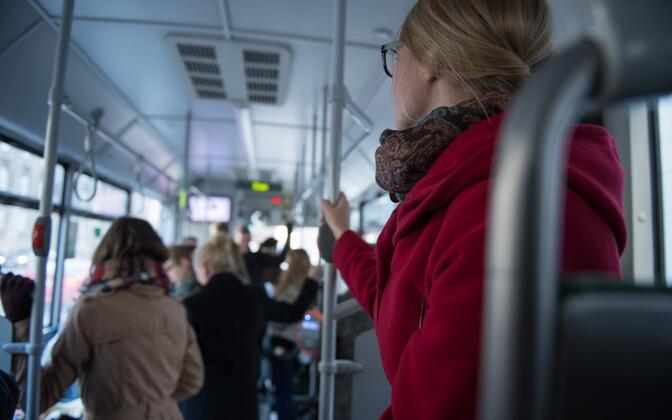 Kas ühistransport on valimisreklaami tegemiseks sobiv avalik ruum või on reisijatel õigus privaatsusele?