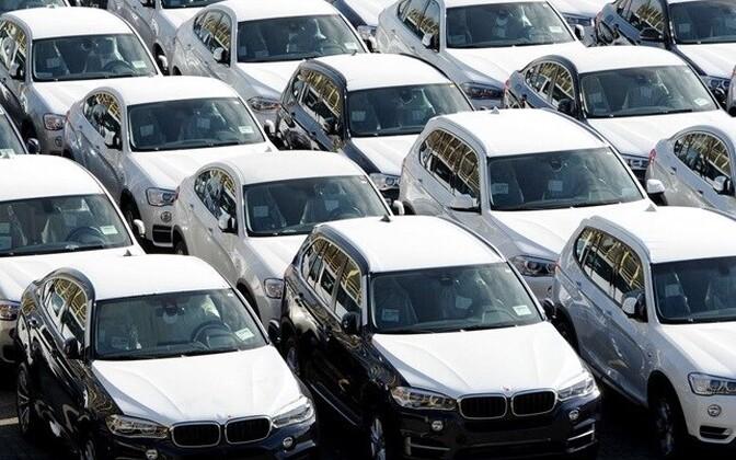 Новые автомобили. Иллюстративное фото.