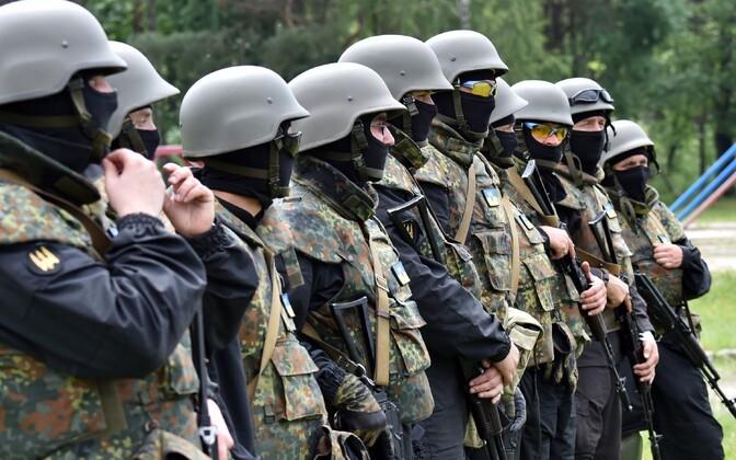 Украинские военные добровольцы.