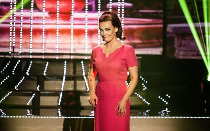 Liina Vahtrik kehastas näosaates Helgi Sallot