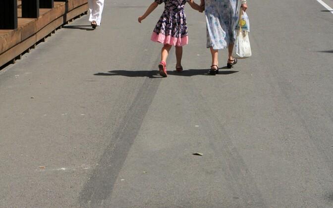 Kohtulahend sunnib ministeeriumit laste õigusi üle vaatama.
