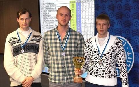 7. Eesti meistrivõistlused jalgpalli mälumängus võitis võistkond MRG vilistlased koosseisus Jaak Sõnajalg, Johannes Vedru ja Kristjan Remmelkoor.