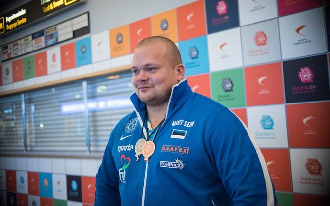 Март Сейм в Таллиннском аэропорту.