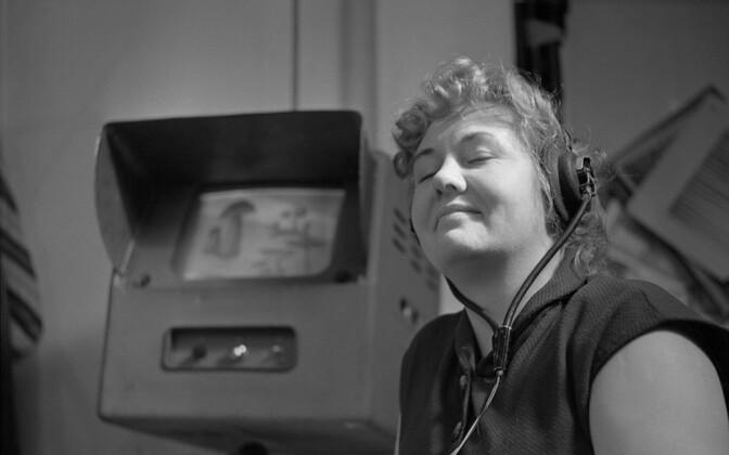 Astrid Lepa aastal 1958 ETV-s režisööri assistendina