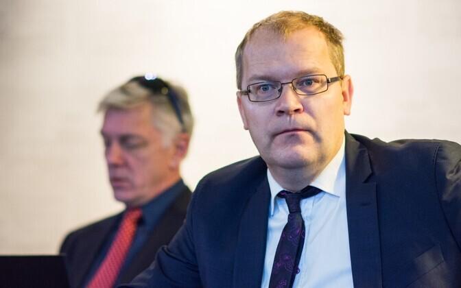 Urmas Paet, taustal eurosaadik Indrek tarand.