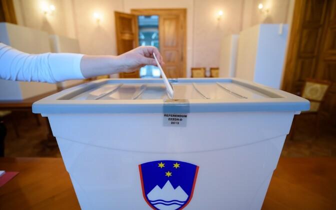 Sloveenia rahvahääletus samasooliste õiguse abielluda ja lapsi adopteerida üle.
