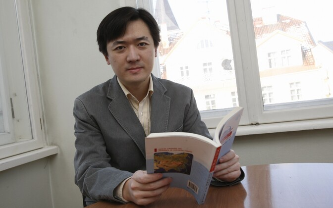 Gao Jingyi compiled the first Estonian-Mandarin dictionary which contains more then 5,000 words.