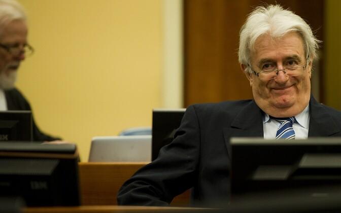 Radovan Karadzic 2012. aastal Haagi kohtus