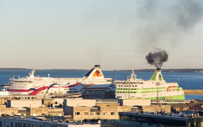Laevad Tallinna reisisadamas.