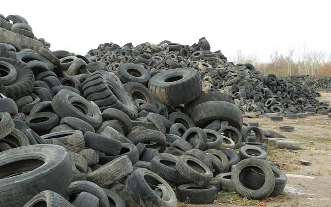 Использованные шины.