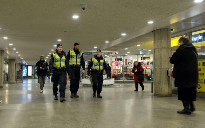 Rootsi politseinikud. Foto on illustreeriv.