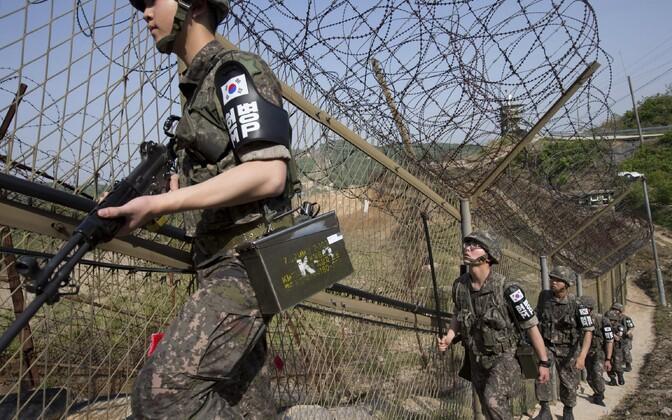 Lõuna-Korea sõdurid demilitariseeritud tsooni lähedal