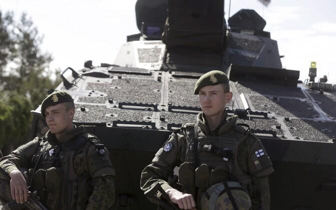 Soome kaitseväelased Lätis NATO õppusel Saber Strike 2015. aastal