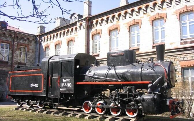 Tallinna transpordikool on Eesti üks vanemaid kutseõppeasutusi.